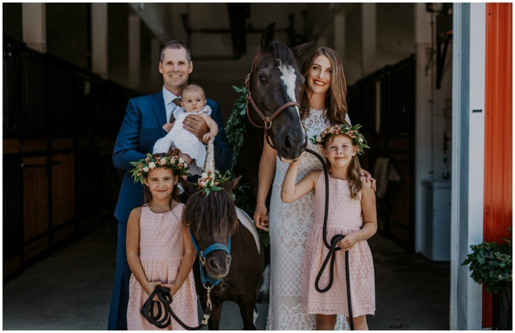 Greenery Horse Wreath, Alberta Barn Family Photos, Horse Family Photos