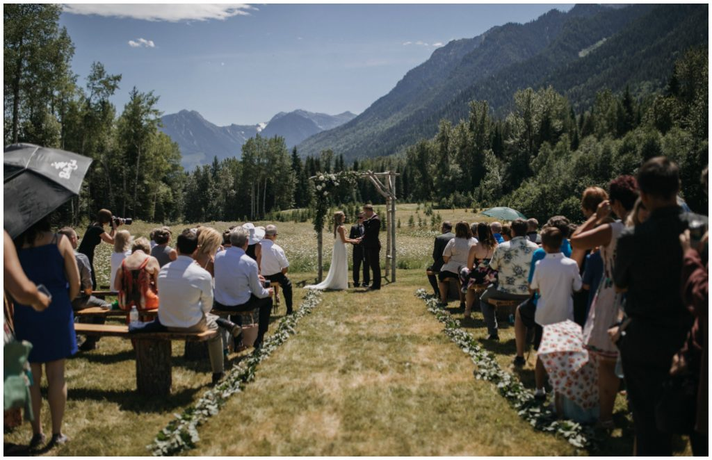 Outdoor Mountain Ceremony on Benches